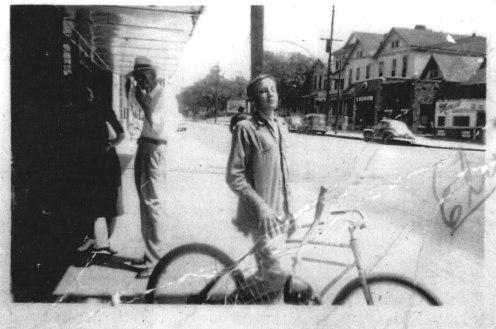 elvis-tupelo-1945-large